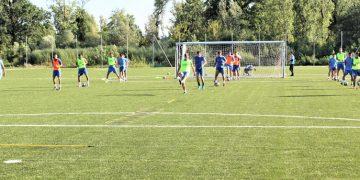 Novoizgrađeni teren s veštačkom podlogom u Bečeju spremno je dočekao fudbalere