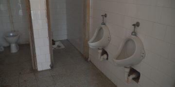 Školski toalet | Ilustracija