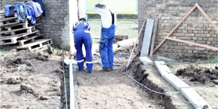 Izgradnja prilaza terenu s veštačkom podlogom