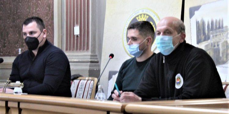 Dane Mandić, Marinko Momčičević i Jovan Ječanski na Skupštini SSOB