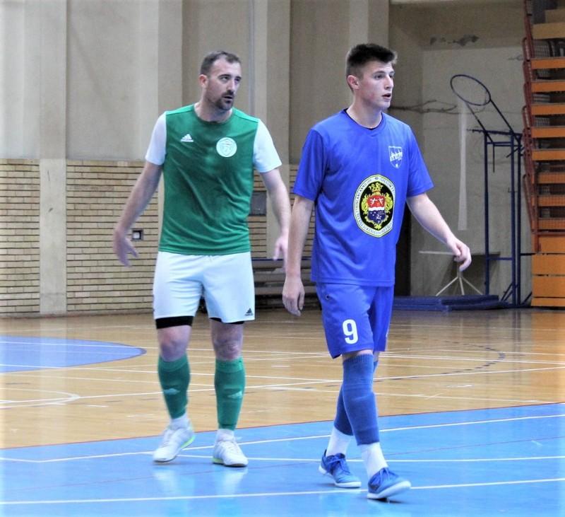 Reprezentativac Marko Perić budno je pazio na Srđana Goluba