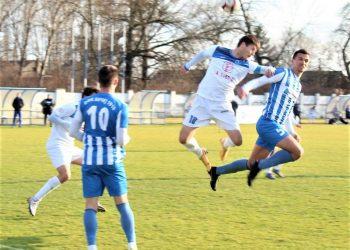 Vazdušni duel Mačkića (18) i Todorovića (5)