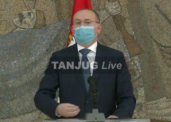 Zoran Gojković tokom davanja izjava novinarima