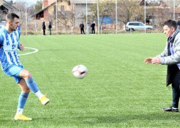 Luka Krajinović na treningu sa trenerom Daliborom Novčićem