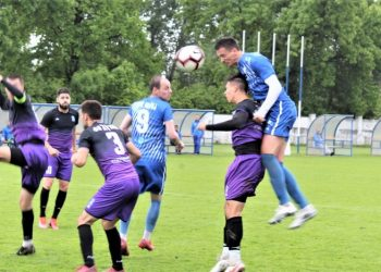 Damjan Todorović u skoku i Dean Tišma bili su strelci u Čonoplji