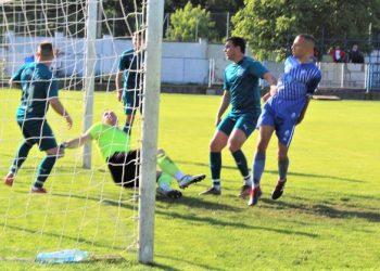 Strahinja Ilić je iz drugog pokušaja savladao Živkova za 1:0