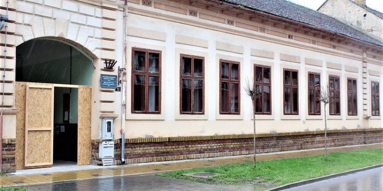 Zgrada ŠOSO Bratstvo u Dositejevoj ulici