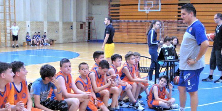Jedna od mladih ekipa Bečejaca sa turnira pre tri godine