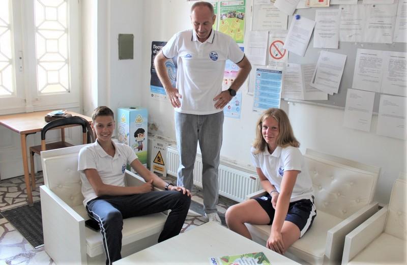 Trener Milan Đurić sa svojim učenicima Rekom Varga i Stefanom Nićinim