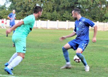 Miloš Savanović je postigao dva, a Čedomir Tomčić u pozadini jedan gol za Bečejce u Staroj Pazovi