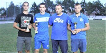 Predsednik Vojvodine Goran Kudrić sa kapitenima tri prvoplasirane ekipe | Foto: V. Jankov