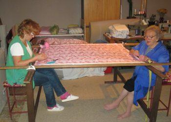 Dóra és édesanyja gyakran dolgozik együtt