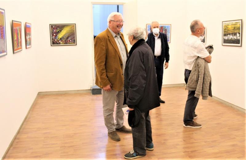 Aleksandar Markov u razgovoru sa posetiocima na otvaranju