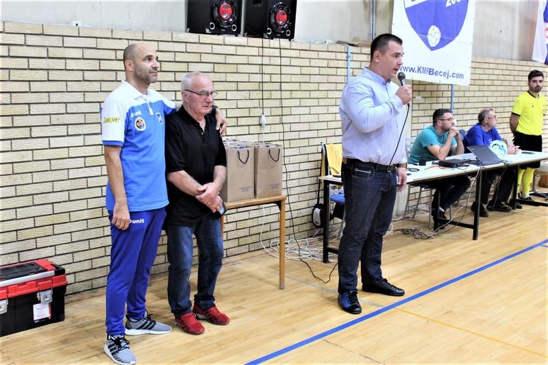 Dane Mandić je pozdravio učesnike i porodicu Stojisavljević u ime opštine Bečej