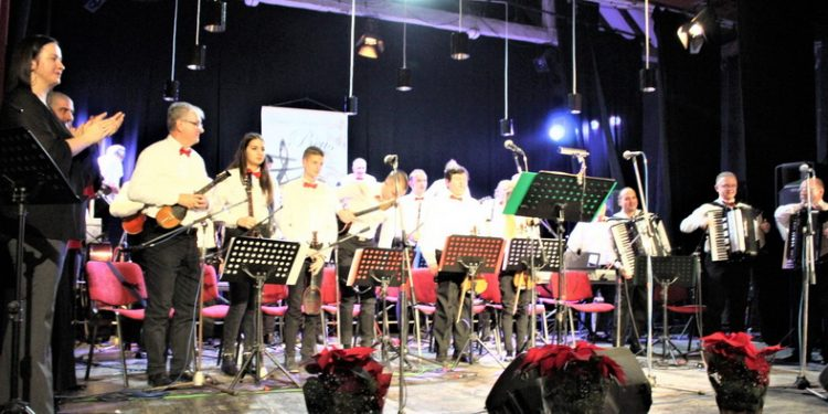 """Gradski orkestar """"BEUS"""" iz Bečeja"""