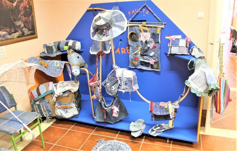 Izloženi su i radovi od recikliranog materijala
