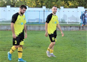 Aleksandar Milin (3) siguran u odbrani i Miloš Savanović (11) opasan u napadu