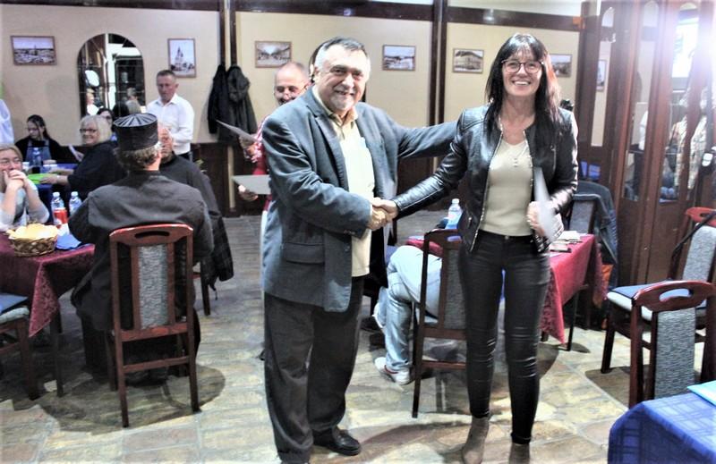 Najuspešnija učesnica turnira Snežana Tomin sa autorom projekta Aleksandrom Pavlovićem