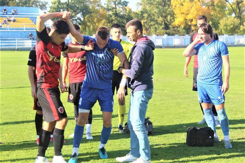 Veljko Jelenković je zbog povrede već u 10. minutu napustio teren